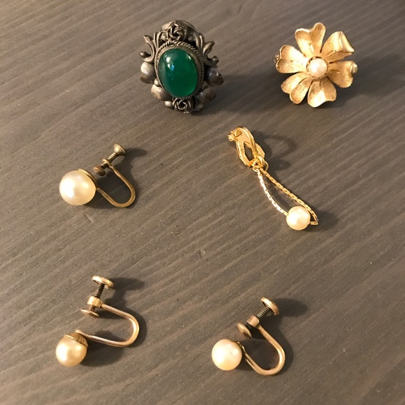 Vintage Jewelry - Lot of Single Earrings - Napier Peruzzi Vendome